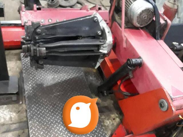 Masina za skidanje GUMA teretnih vozila i BALANSERKE