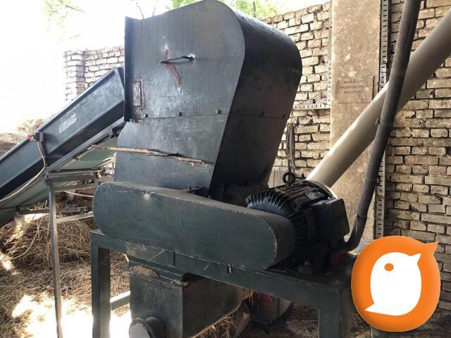 Na prodaju masina za proizvodnju briketa i viljuskar
