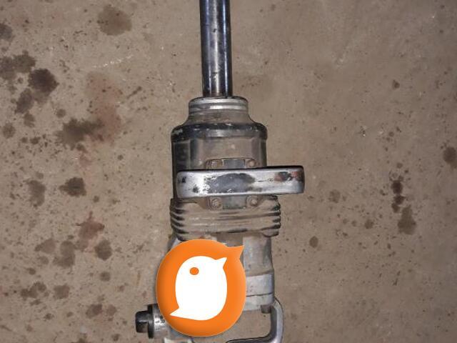 Na prodaju pneumatski pistolj za teretna vozila